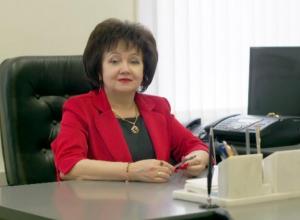 Лица города Ставрополя: Татьяна Юрьевна уже 29 лет объявляет молодоженов Ставрополья мужем и женой