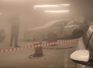 «Мерседес» загорелся на подземной парковке «Космоса» в Ставрополе