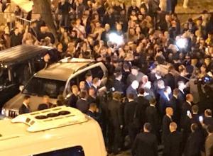 Владимир Путин вышел к толпе народа в Минводах
