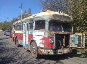 Дряхлому ставропольскому ретроавтобусу подарят вторую жизнь реставраторы из Санкт-Петербурга