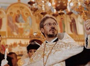 Лица города: Отец Владимир Сафонов планировал стать музыкантом