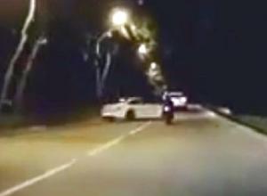 Эффектный вылет в кювет элитного белого «БМВ» под Пятигорском попал на видео
