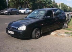 «Приора» с московскими номерами сильно столкнулась с «Маздой» в центре Ставрополя