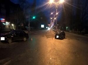 Игнорирование светофора дерзким водителем «Лексуса» стало причиной ДТП с «Грантой» в Пятигорске