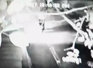 Неизвестный мужчина выстрелил в семью с ребенком и скрылся на машине в Пятигорске