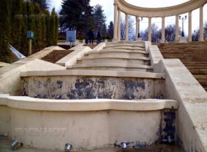 Миллион рублей взятки при реконструкции Каскадной лестницы в Кисловодске получил алчный чиновник