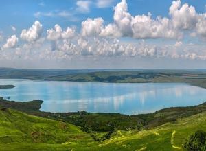 Базу отдыха «для своих» снесут по решению суда на Сенгилеевском водохранилище