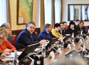 «Я по-русски только понимаю»: Владимиров научил правильно говорить молодежь из кадрового резерва