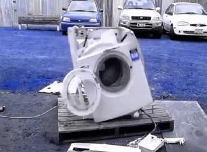 Эмоциональный мужчина разбил холодильник и стиральную машину в чужой квартире на Ставрополье