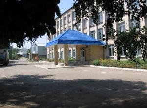 Несовершеннолетних студентов уличили в курении на территории политехнического колледжа Ставрополя