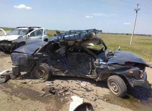 Водитель «семерки» разбился насмерть в ДТП с «Рено» в Ставропольском крае