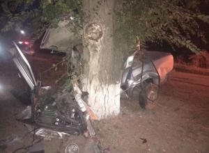 Водитель без прав погиб после столкновения «семерки» с деревом на Ставрополье