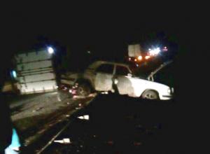 Женщину насмерть переехали грузовик и «Волга» на трассе в Ставропольском крае, - очевидцы