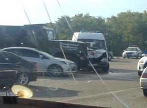 Грузовик въехал в машину «скорой помощи» на выезде из Михайловска