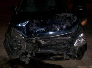 Водитель «Приоры» врезался в стоящий на обочине «Мерседес» и погиб в ночном ДТП на Ставрополье