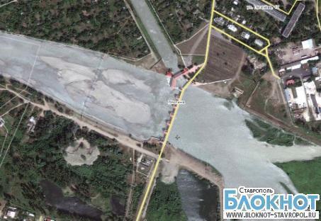 Возле Невинномысской плотины в реке Кубань найдено тело пожилого мужчины