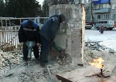 Суд потребовал восстановить вечный огонь в селе Подлужном