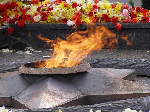 Двое жителей Ставрополья окажутся в тюрьме за осквернение мемориала «Вечная Слава»