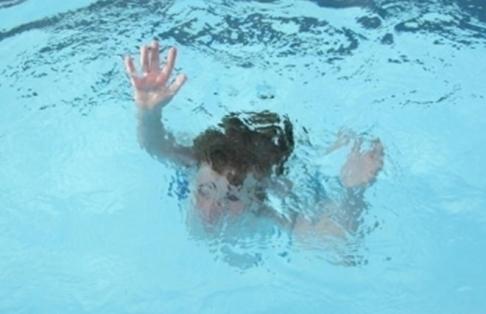 10-летний мальчик утонул в бассейне на Ставрополье