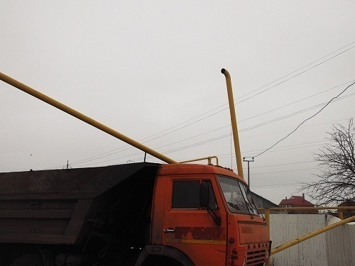 «КамАЗ» прорвал газовую трубу вКисловодске