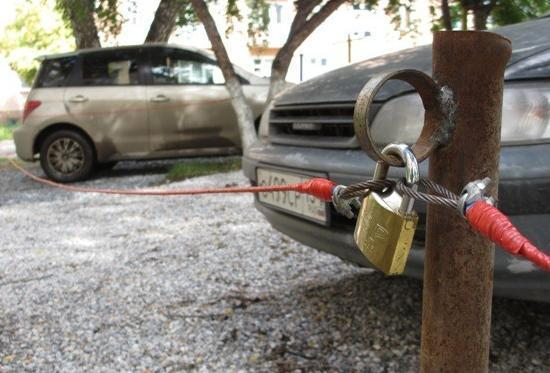 Жители Ставрополя негодуют по поводу самовольных захватов парковочных мест