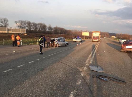 Три человека пострадали в аварии под Ставрополем