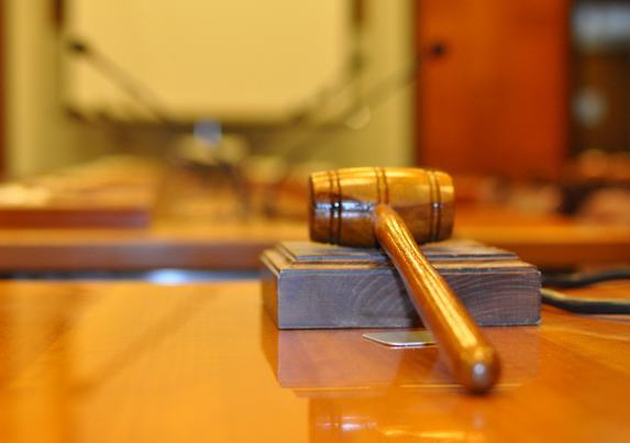 В Буденновске  мужчина изнасиловал 12-летнюю девочку