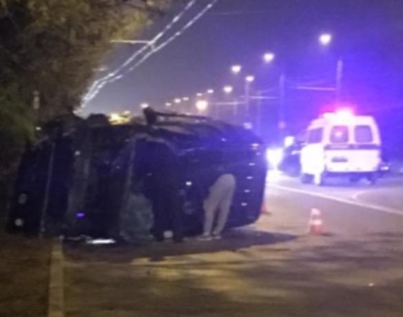 Последствие жесткого ДТП с перевернувшейся «Шевроле» попало на видео в Ставрополе