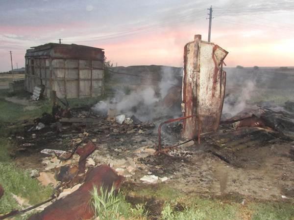 В Ставрополе на стройке около мемориала «Танк Т-34» горел вагончик