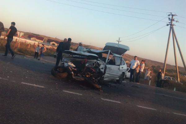 Шофёр мотоцикла умер вДТП с«ВАЗ-2114» натрассе вСтаврополье