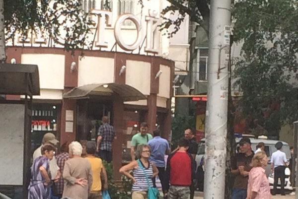 Арестовали 3-х подозреваемых внападении наполицейских вювелирном магазине Ставрополя