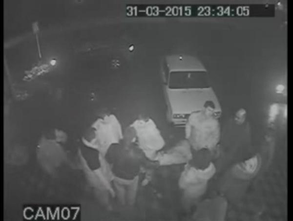 Камеры зафиксировали массовую драку, жертвой которой стал глава села