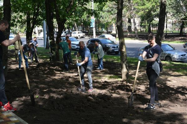 Пятый общегородской субботник прошел в Ставрополе