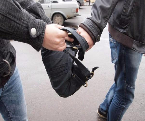 Гражданин Минвод, доэтого нападавший наполицейских, попался награбеже