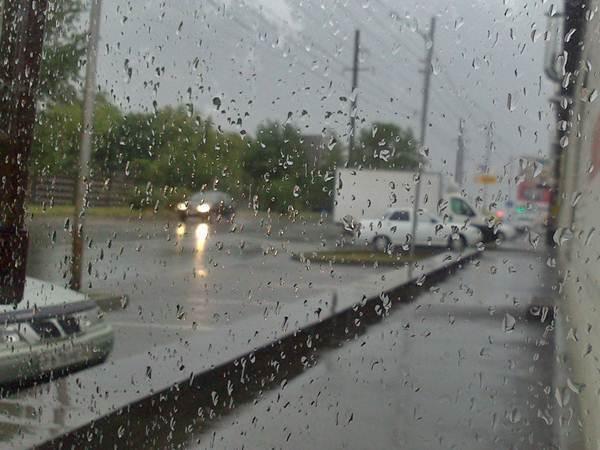 МЧС: на Ставрополье ожидается сильный ливень с градом