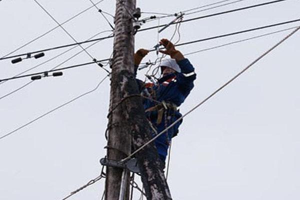 ВСтаврополе кустранению последствий урагана привлекли неменее 500 человек