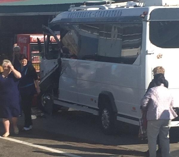 Пассажирский автобус попал в жуткое ДТП на ставропольской трассе «Кавказ»