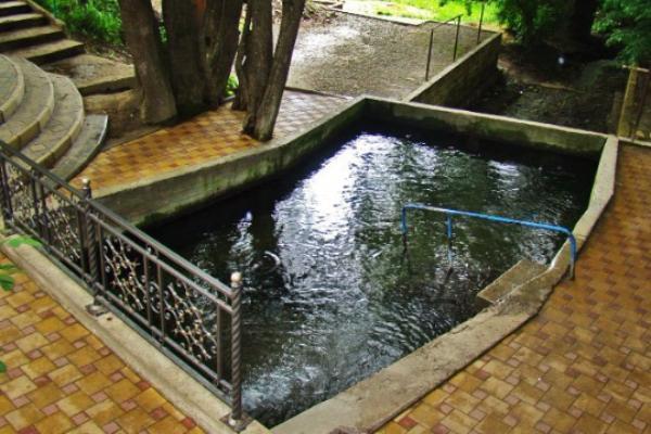 Роспотребнадзор предупредил озагрязненности воды в 2-х ставропольских родниках