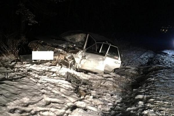 Вседорожный автомобиль навстречке влетел в легковую машину наСтаврополье, 1 пострадал
