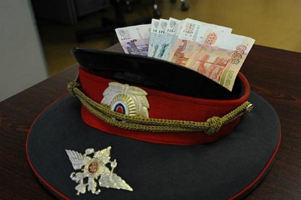 Полицейский наСтаврополье заподозрен вполучении взятки
