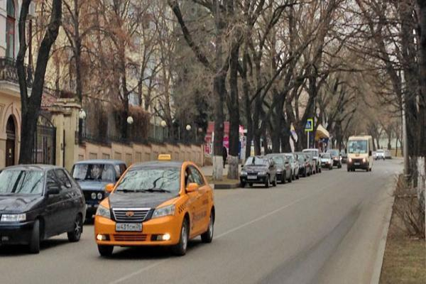 ВКисловодске находу изтакси выпал пассажир