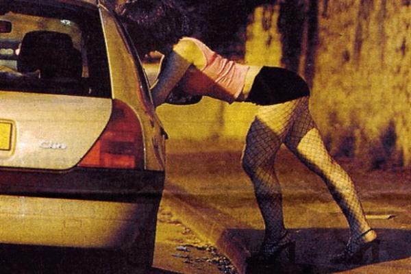 15-летнего подростка убеждала заняться проституцией знакомая-сутенер