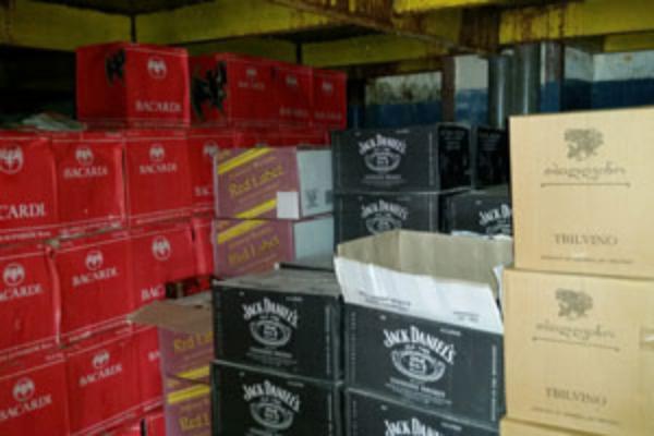 Неменее 14 тыс. литров контрафактного алкоголя уничтожили вСтаврополе