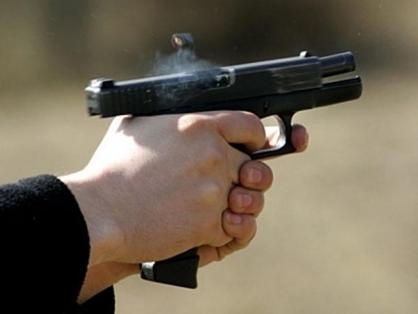 В Михайловске мужчина открыл стрельбу вблизи жилых домов