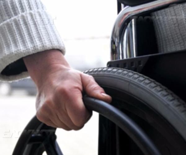 18-летняя девушка в Ставрополе втерлась в доверие к инвалиду и украла деньги