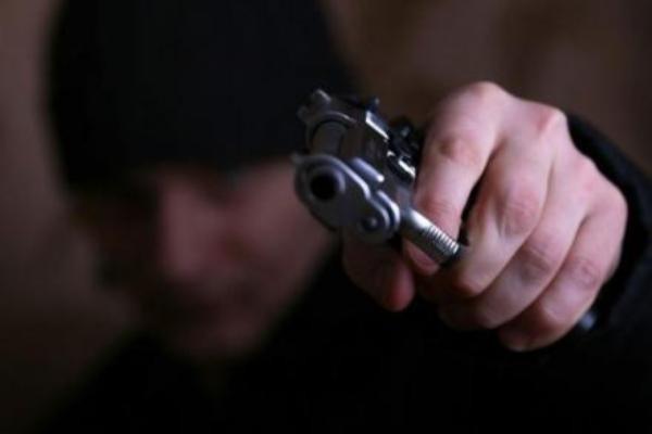 Парень идевушка обвиняются внападении наполицейских наСтаврополье