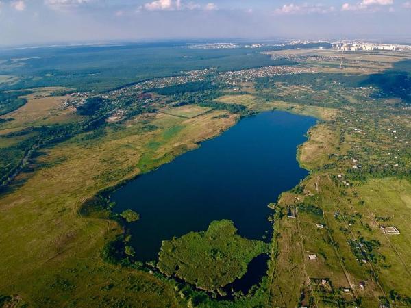 Чудовище, водоросли и таинственные смерти: история Кравцова озера