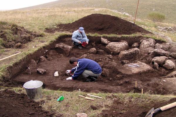 Археологи вСтаврополье обнаружили неповторимую древнейшую колесницу