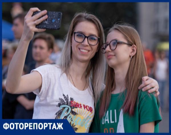 В ожидании открытия Студенческой весны жители Ставрополя попали на фото