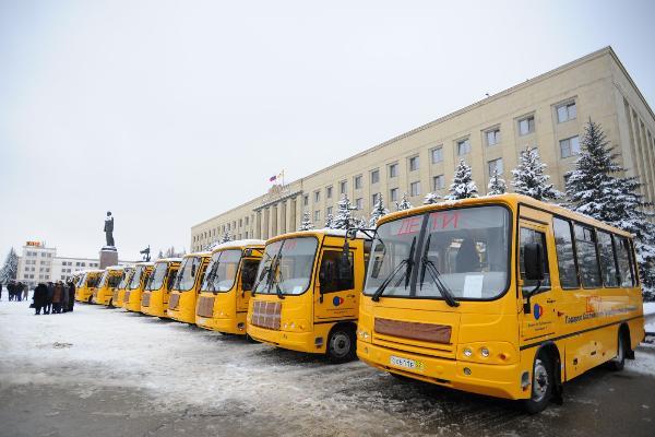 Воспитанники сельских школ Ставрополья будут кататься нановых автобусах
